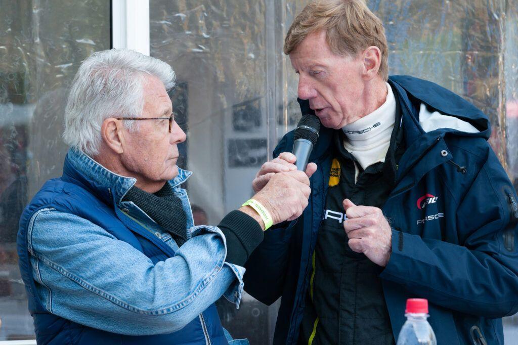 Edelweiß Classic Stiftungs-GmbH - Rainer Braun im Gespräch mit Rallyelegende Walter Röhrl beim Edelweiß-Bergpreis 2018